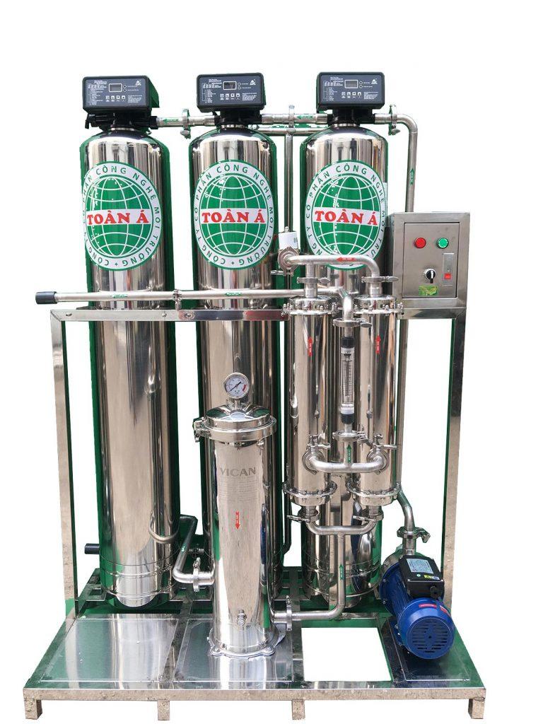 cột lọc nước chất liệu inox